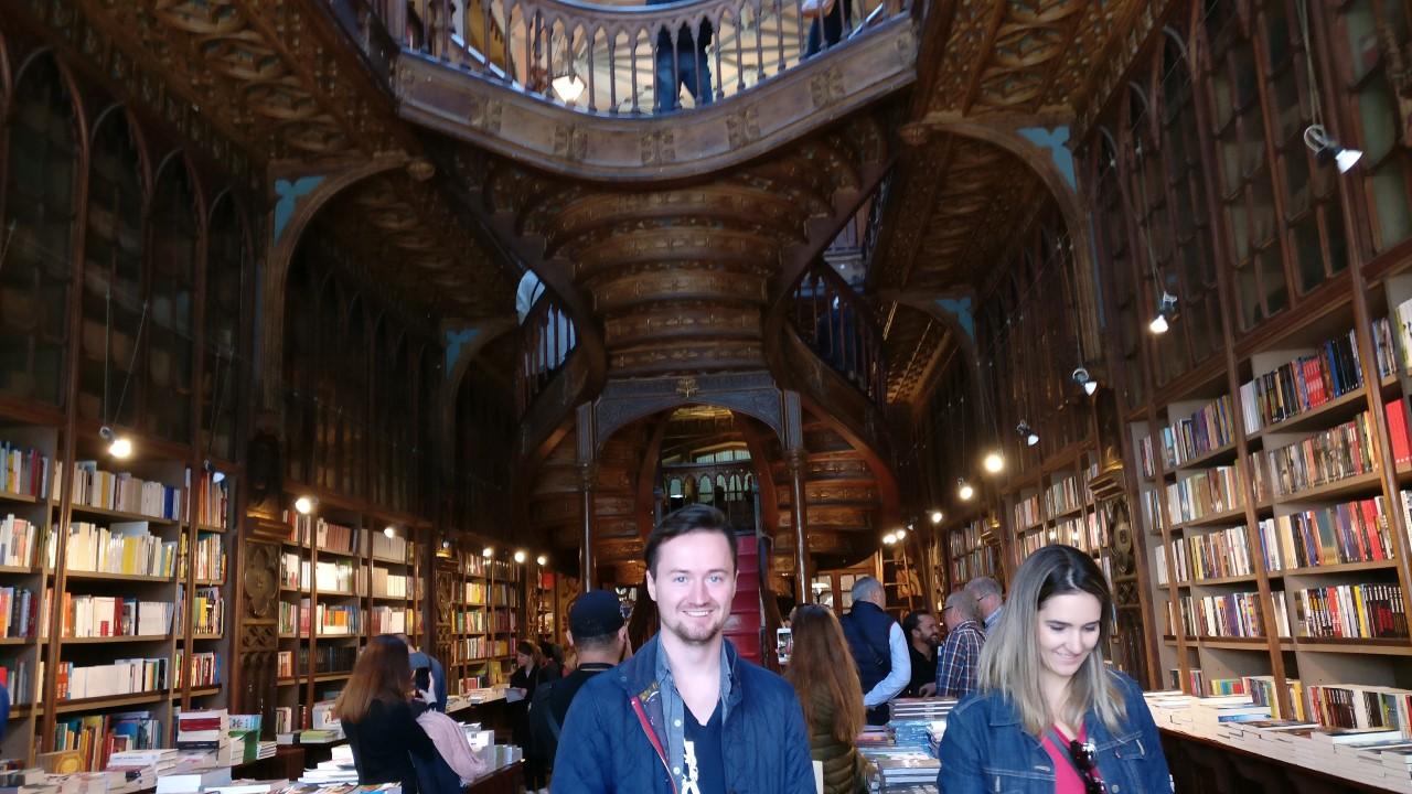 Porto Library JK